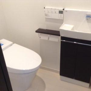 トイレ<江坂アパートメント 家具付き賃貸>